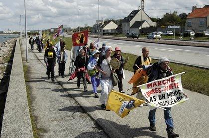 marcheurs pour un futur sans nucleaire a cherbourg