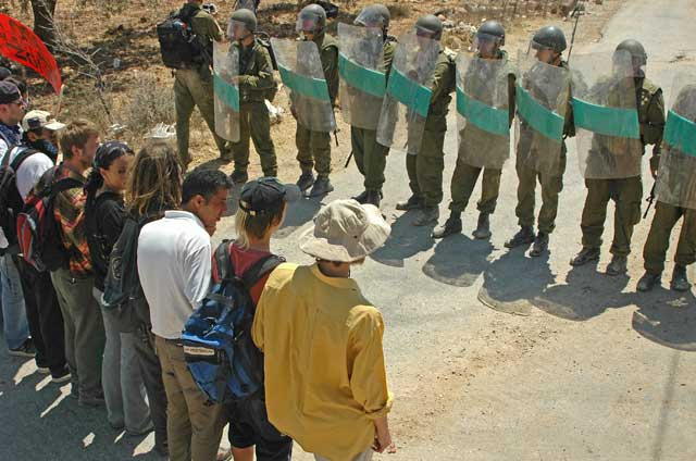 Bil'in résistance non violente activestills.org